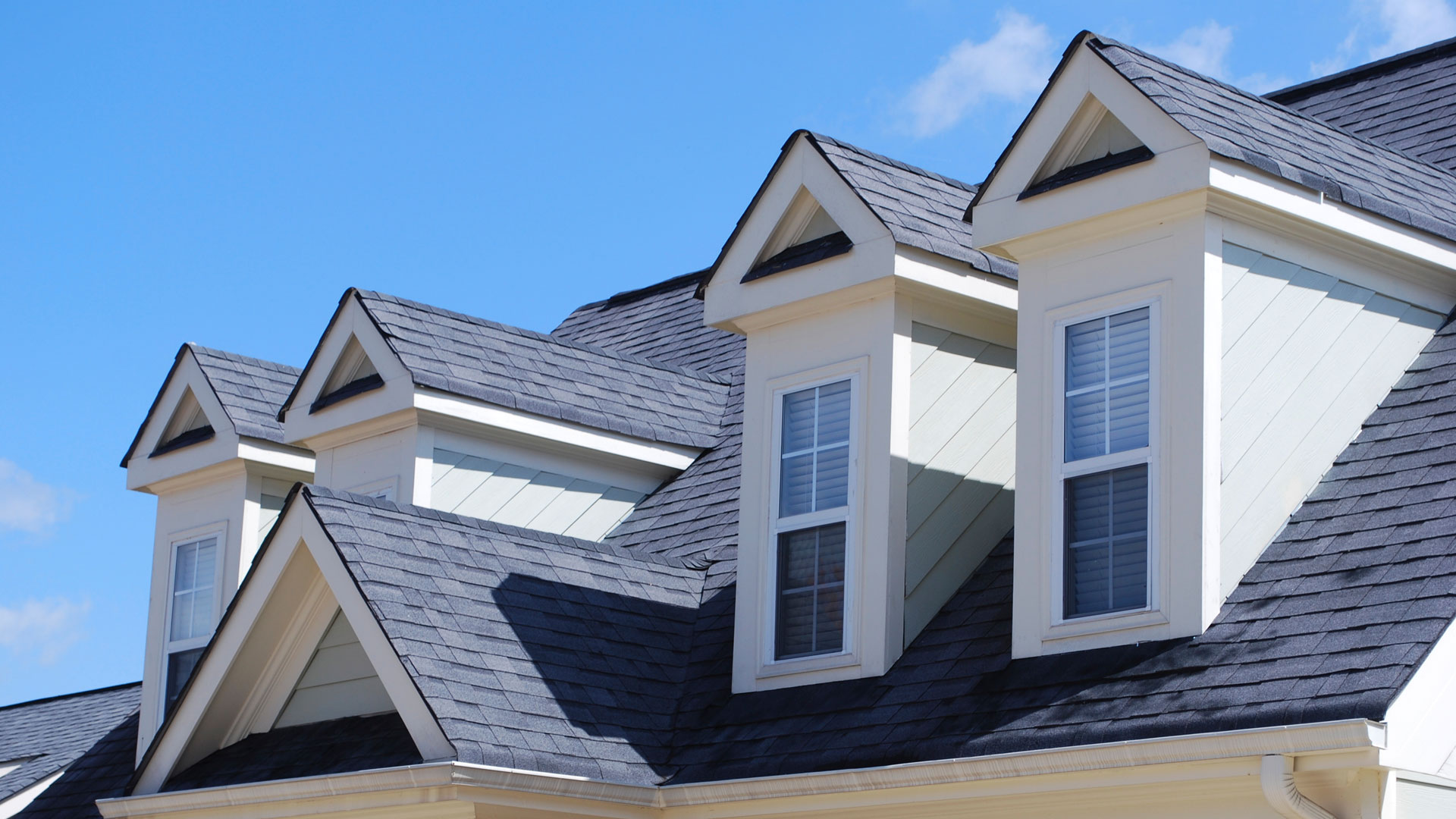 Trace The Issues in Your Roofing And Call a Roofing Contractor Today